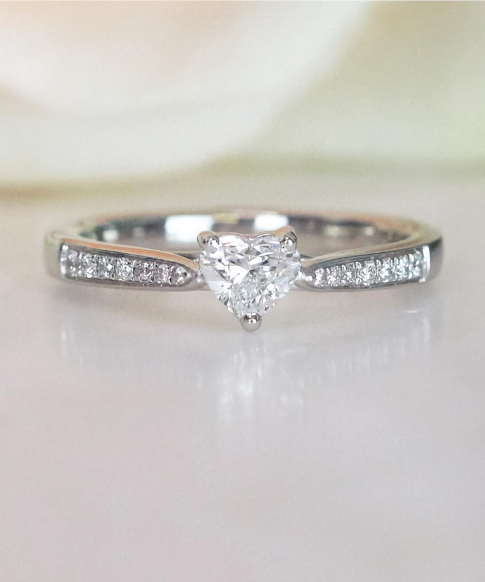 Heart Shaped Diamond Engagment Ring